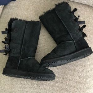 UGG Black Girls Bailey Bow Suede Boots Size 1